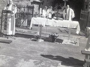 Messe de Pentecôte à la grotte Notre-Dame d'Algrange en 2000