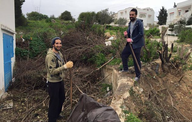 La force de l'exemple: 3 jeunes tunisiens, héros extraordinaires d'une action citoyenne ordinaire