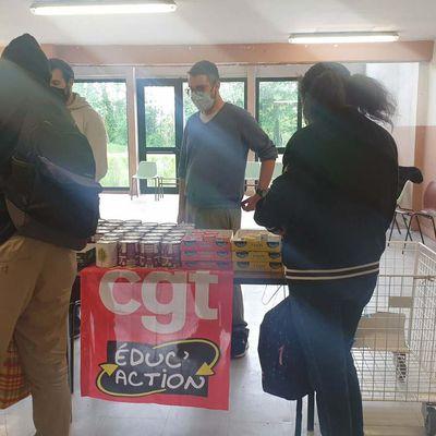Distribution d'aide alimentaire pour les étudiants