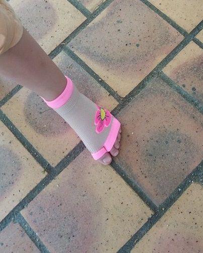 Vos enfants en toute sécurité avec les chaussettes antidérapantes SWEACKERS d'OCKYZ