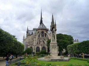 Dernières prises de vue autour de Notre Dame depuis le square et les quais de Seine (juillet 2012, images personnelles)