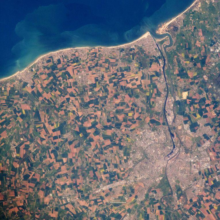 Des photographies aériennes prises le jour du débarquement et les débuts de la conquête spatiale
