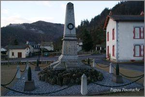 Monument et fontaine à Molompize