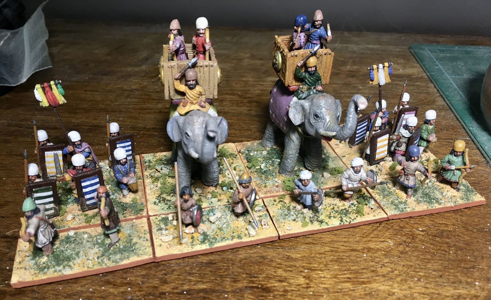 Les figurines sont des Legio Heroica