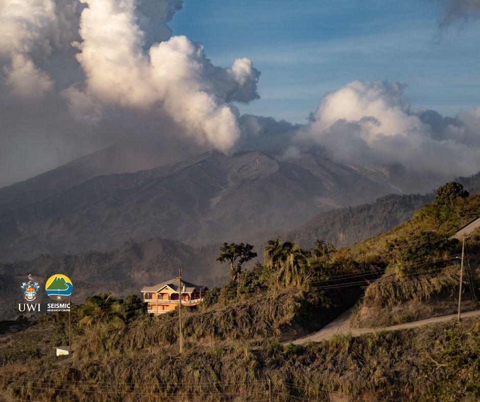 Soufrière de St. Vincent - activité du 13.04.2021 - photo Rod Stewart / MVO