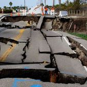 USA: Los Angeles: une énorme portion de route s'effondre dans l'océan - MOINS de BIENS PLUS de LIENS