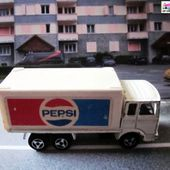 214-C CAMION SAVIEM CONTAINER PEPSI MAJORETTE 1/100. - car-collector.net