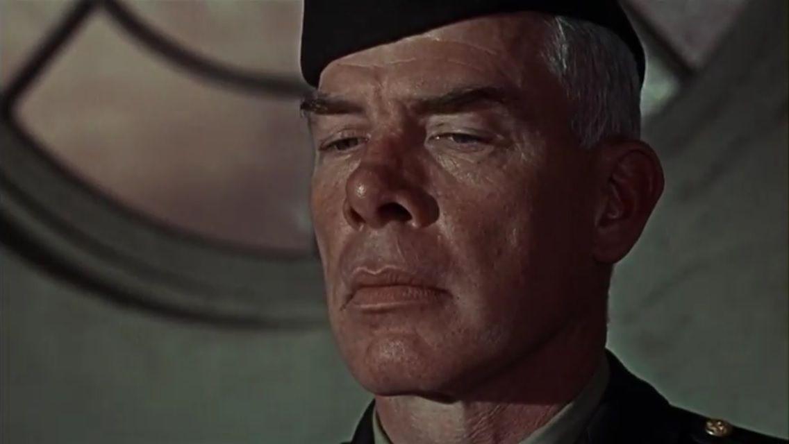 Les 12 Salopards: Le Major John Reisman est un espion allemand. Partie 1. (2500 mots)