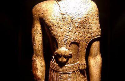 Les tenues de cérémonie des prêtres dans l'Egypte ancienne