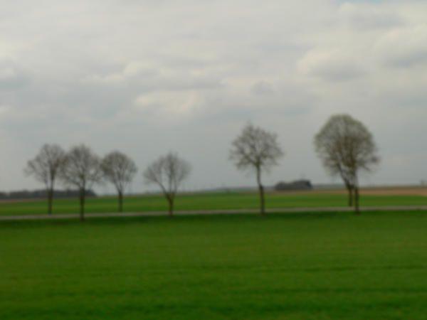 En train, de Paris à Toulouse, les paysages défilent...