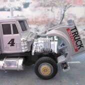 PETERBILT CAMION DE COURSE #4 CARARAMA 1/43 - car-collector.net