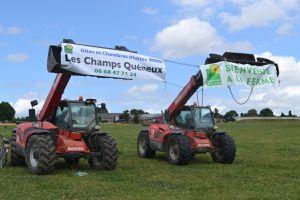 Les panneaux des agriculteurs.