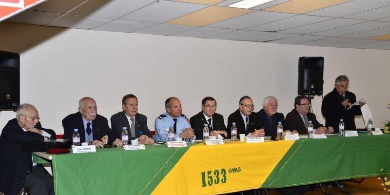Photos souvenirs des décorés et diplômés de la 1533° Section avec les autorités présentes à l'A.G. de Mourenx