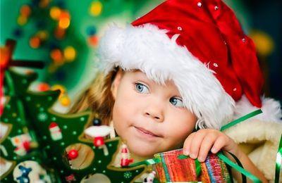 Enfant - Fille - Sapin - Noël - Picture - Free