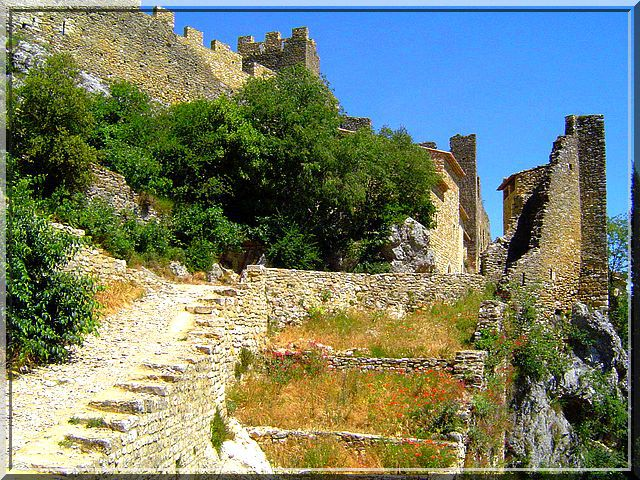 Diaporama château de Saint Montan