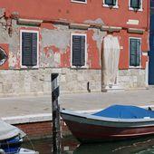 Barques à Burano une nouvelle collection en couleurs! - Hélène SF