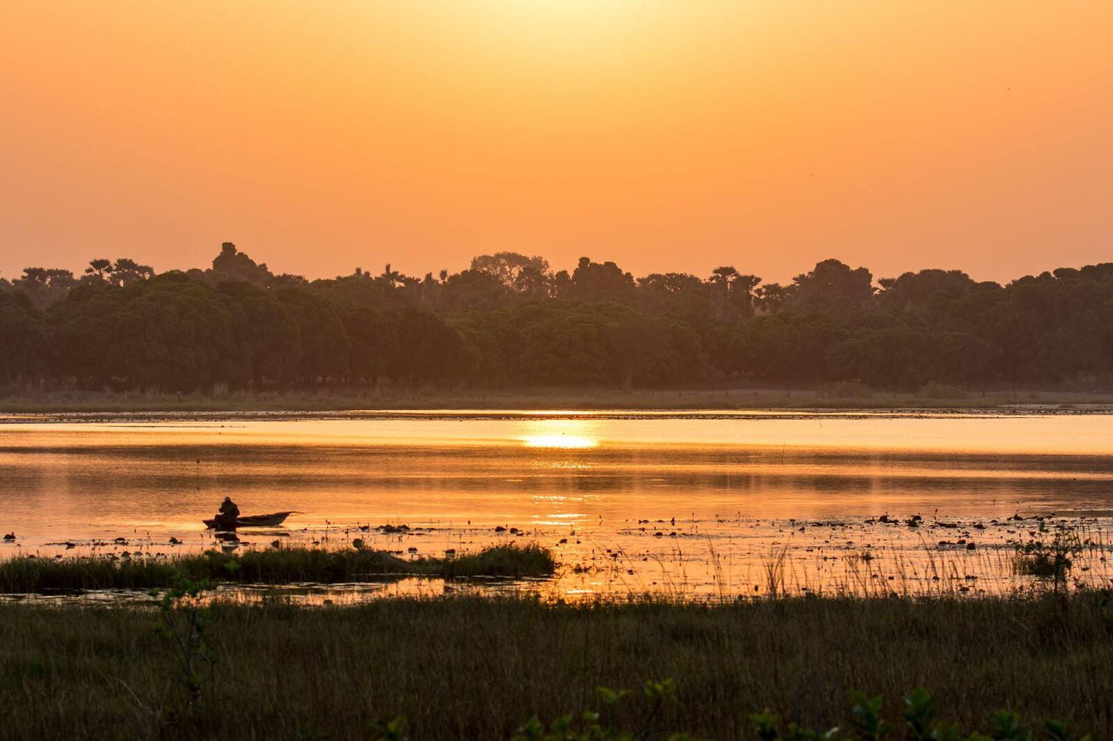 Coucher de soleil sur le lac de Tengrela