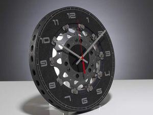 Des pignons de boite de vitesse ou des disques de freins retrouvent une autre vie
