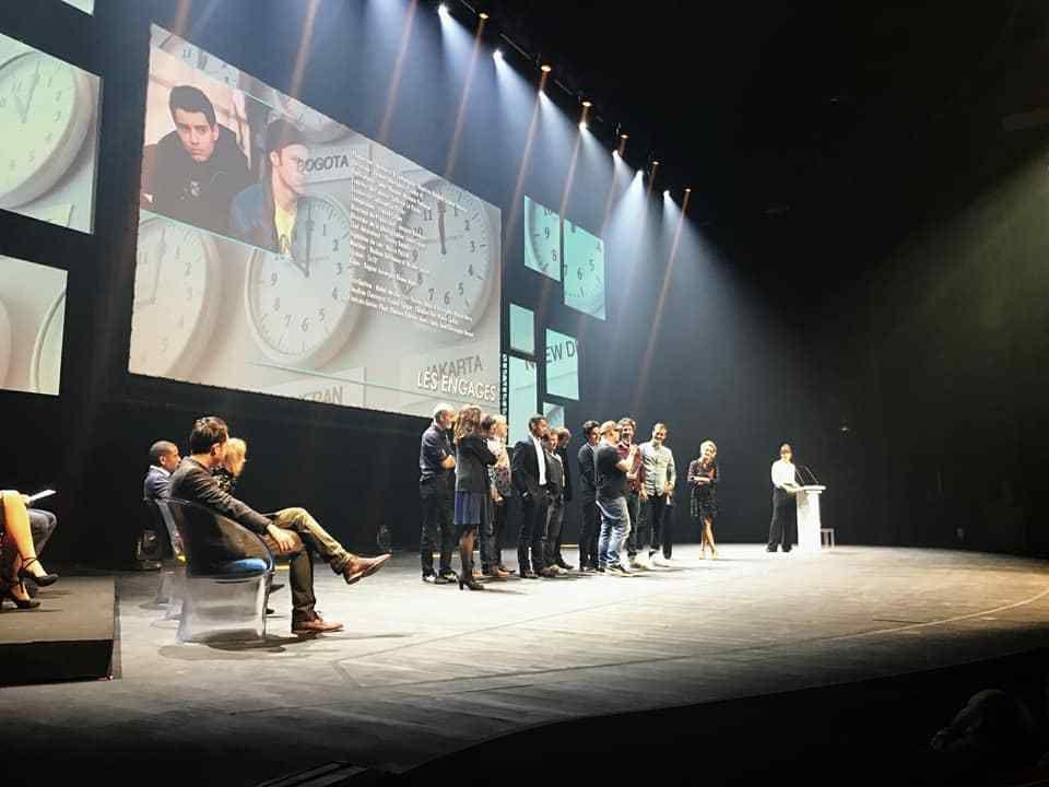 L'équipe des Engagés recevant son prix lors de la cérémonie. Photographies © Caroline Dubois