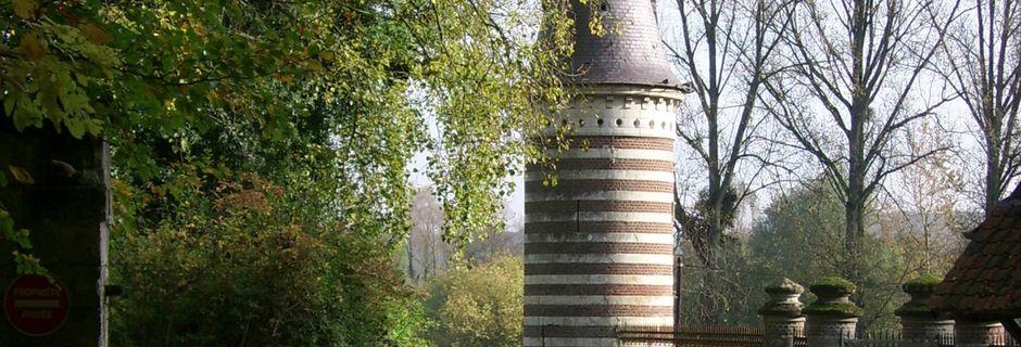 PETIT PREAUX (Nampont Saint Martin) :un pigeonnier