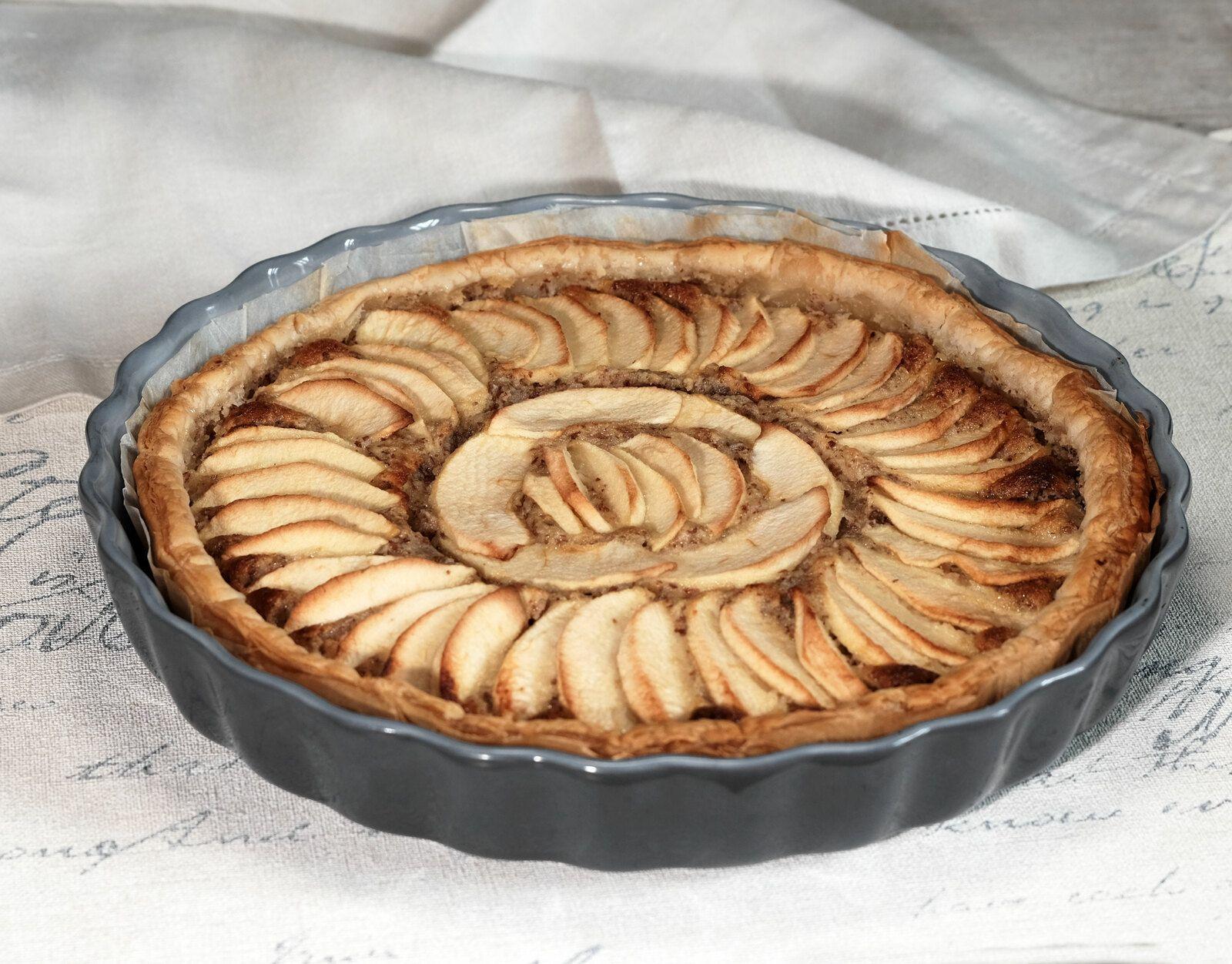 Tarte aux pommes à la crème de noisette