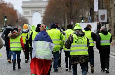 Pourquoi la contestation dans la rue est-elle soutenue en Biélorussie et innacceptable en France?