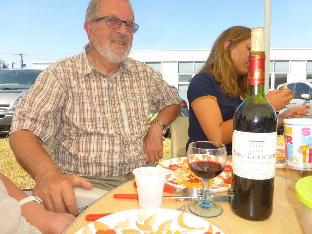 Une petite bouteille de Saint-Émilion venant du château Saint-Christophe, que du bonheur dirait Éric !