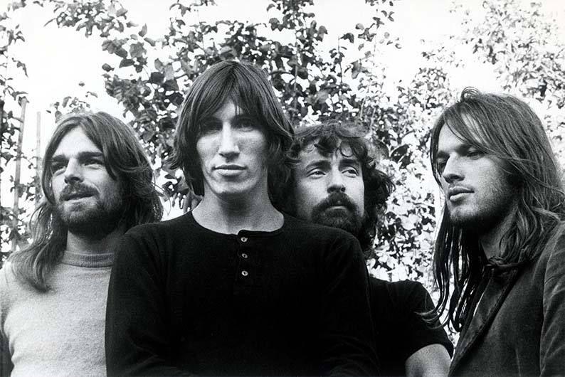 Portraits de David Gilmour, Nick Mason, Roger Waters et Richard Wright.