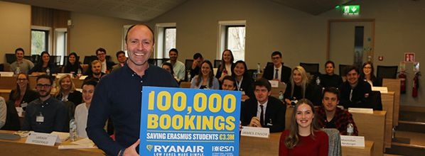 Ryanair celebrates 100,000 Erasmus Student Network bookings