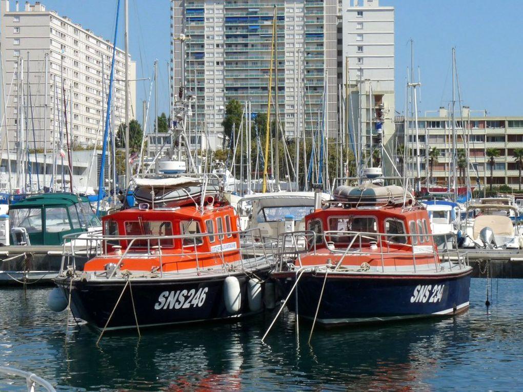 SNS 234  & SNS246 ,  dans le port de Toulon le 05 septembre 2013