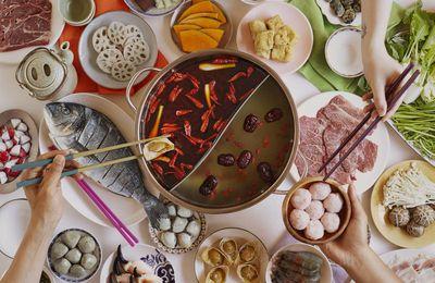 Repas en Chine: ne jamais finir les plats !