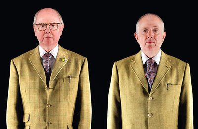 Gilbert and George, deux jeunes hommes