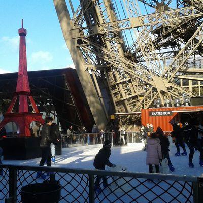 Tour Eiffel in winter time