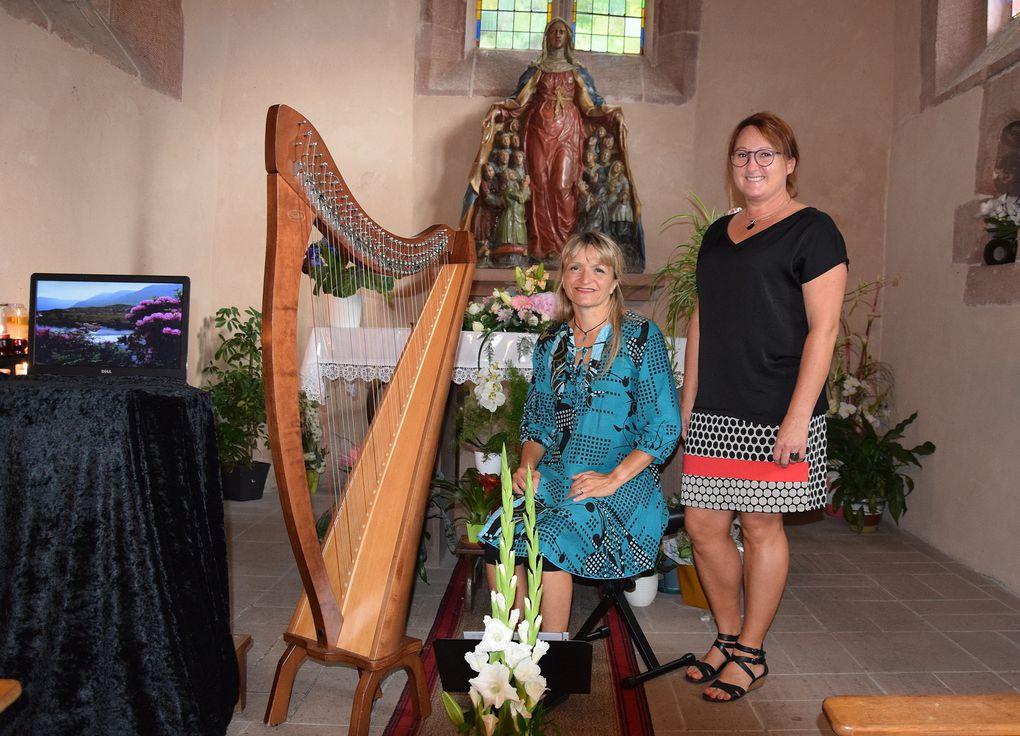 Le récital de Patricia et Cathy - Cliquer sur les flèches latérales pour passer à la photo suivante