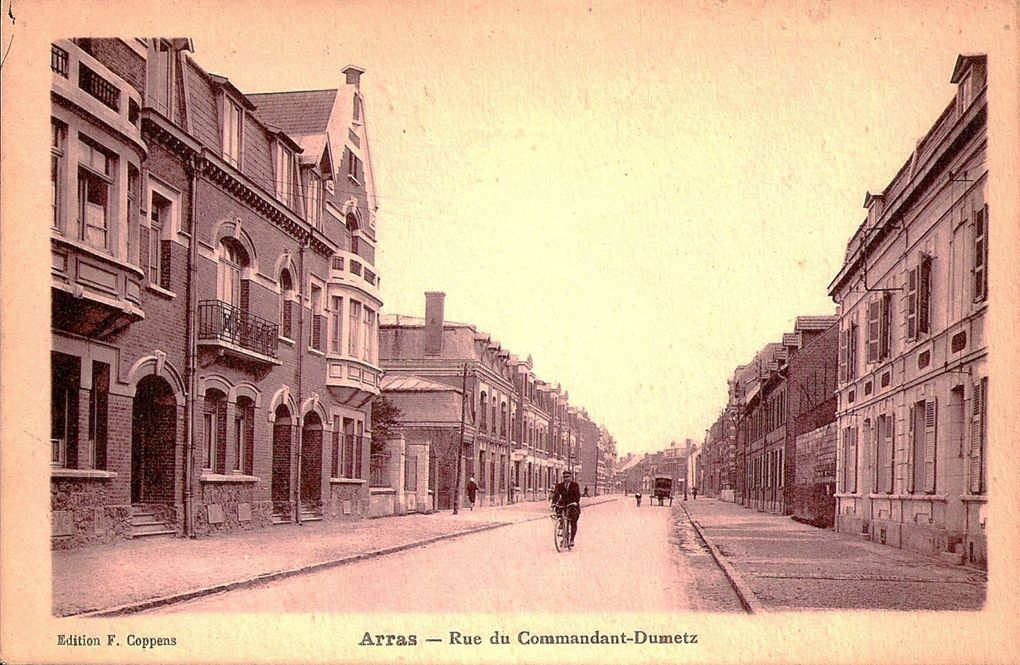 rue du Commandant-Dumetz. Wallet et Pinsivy, architectes, 1923 (détail) - Carte postale : collection privée.