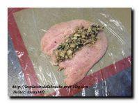 Ballottine de volaille farcie aux champignons et jambon accompagnée de gnocchis poêlés au beurre
