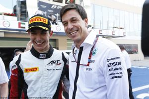 Esteban Ocon s'engage en DTM