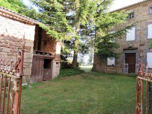 Quelques maisons dans les petits hameaux