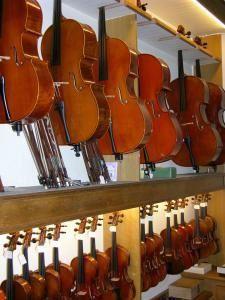 Yan Ullern, violons, violoncelles...