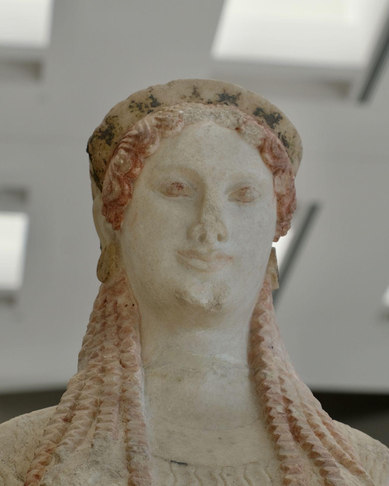 Korè en marbre de Paros - 520/510 avant Jésus-Christ