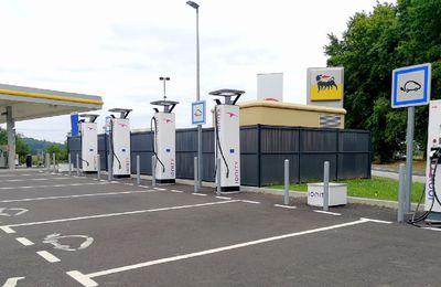 L'info des Pyrénées-Atlantiques :: Des bornes électriques pour les aires d'autoroute