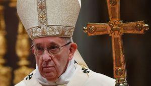 Le pape invite à changer les règles du système économique et social