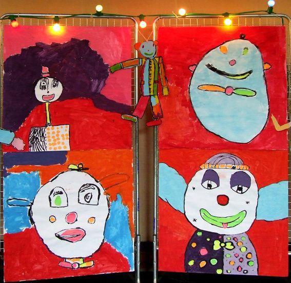 Collages sur craft, acryliques sur toile, carton, papier mâché, fils de fer, modelage terre de faïence ocre, objets de récup. pour empreintes, gouaches, lavis, fusain, craie Conté, graphites, matériaux de récup...