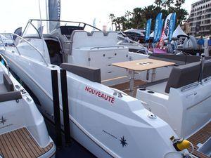 Yachting Festival - toutes premières photos du plus grand Cap Camarat de chez Jeanneau, le 10.5 WA