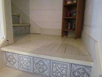 Avec du papier peint Castorama, je customise mon escalier !