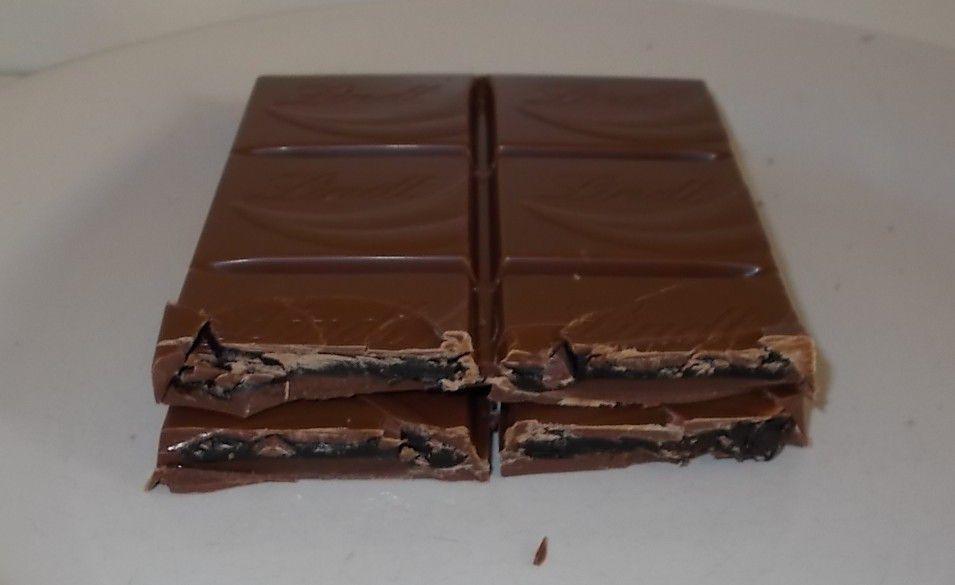 Lindt Creation Chocolat de Luxe mit flüssigem Choco-Kern