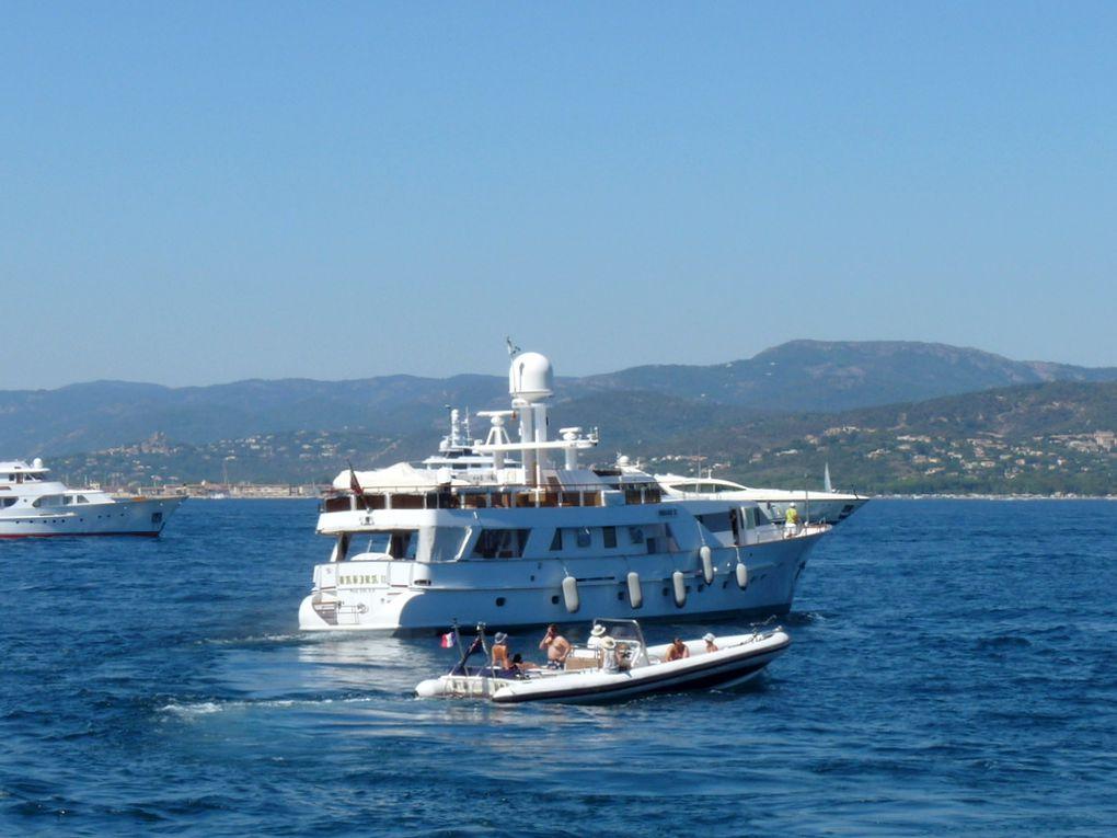 BAHIRA  II , appareillant du port de Saint Tropez 25 aout 2016