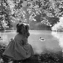 """""""Nous sommes le rêve d'un dormeur qui dort si profondément qu'il ne sait pas qu'il nous rêve."""" (Jean Cocteau)"""