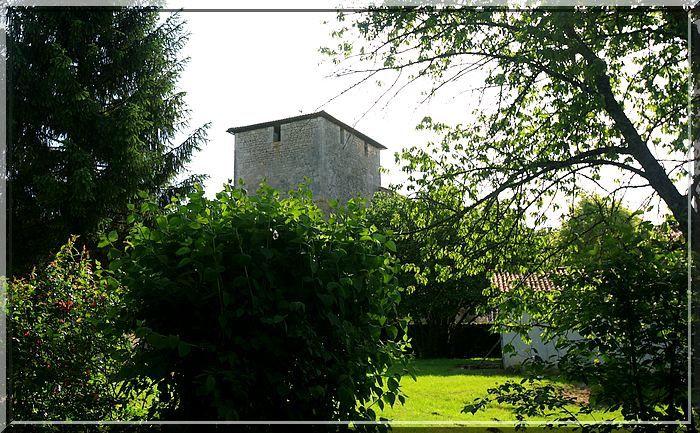 Diaporama église fortifiée d'AGRIS