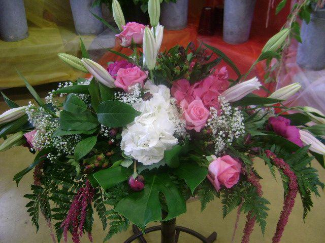 voici toutes mes creations florales faite moi même de  mes propres mains  photo prises moi même